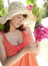 迷人小美女筱崎爱沙滩风情写真