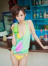 可爱日本女孩希志夏日清凉写真