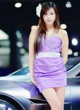 韩国紫衣车模尹惠熙长发飘飘