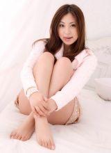 诱人美模新写真展示东方女性凹凸身材