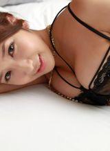 巨乳日本女优亚里沙姿态各异很迷人