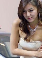 2010北京现代展台韩国模特