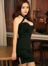 少妇米米一堆情趣衣裙变着法诱惑你