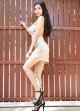 机车女孩林美惠子一丝不挂巨乳外露