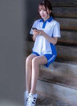 学生妹周于希偷玩手机遭尹菲老师调教