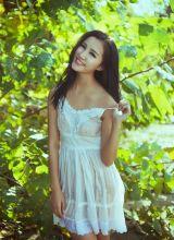 摆动白色短裙撩人的傲娇妹妹刘微拉