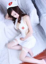 白色网袜护士制服美女喷血的诱惑