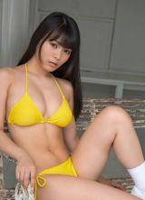 鲜艳黄色内衣的日本女忧美津纪诱人私人房