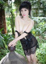 在户外穿着诱人的情趣内衣美女潘娇娇诱人的艺术作品