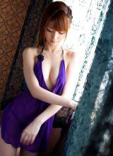 紫色睡衣性感美女真空诱惑