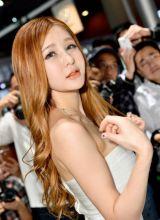 车展上一个清纯可爱的韩国妹子