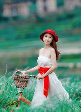 小红帽户外气质甜美小美女高清写真