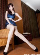 台湾美女模特Sara最新高挑美腿迷人裙装写真
