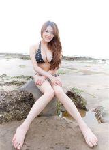 台湾巨乳美女熊熊迷人清纯写真