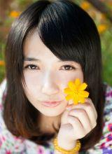 俏皮可爱女生阳光迷人写真