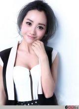 杨蓉小女人气质微显妩媚魅力