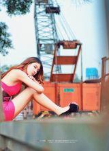 性感美女美乳长腿撩人诱惑写真