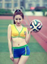 靓丽足球宝贝力挺巴西