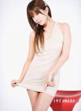 拥有漂亮脸蛋的韩国女星许允美
