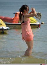 夏日海边的性感美女