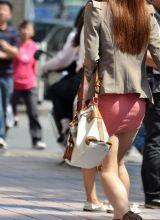 紧身粉红短裙迷人MM