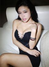 性感美女迷人巨乳翘臀诱惑私房