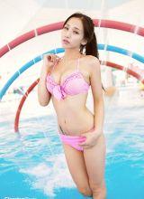 性感美女激情夏日泳池清凉写真
