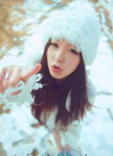 迷人气质美女不畏寒冬