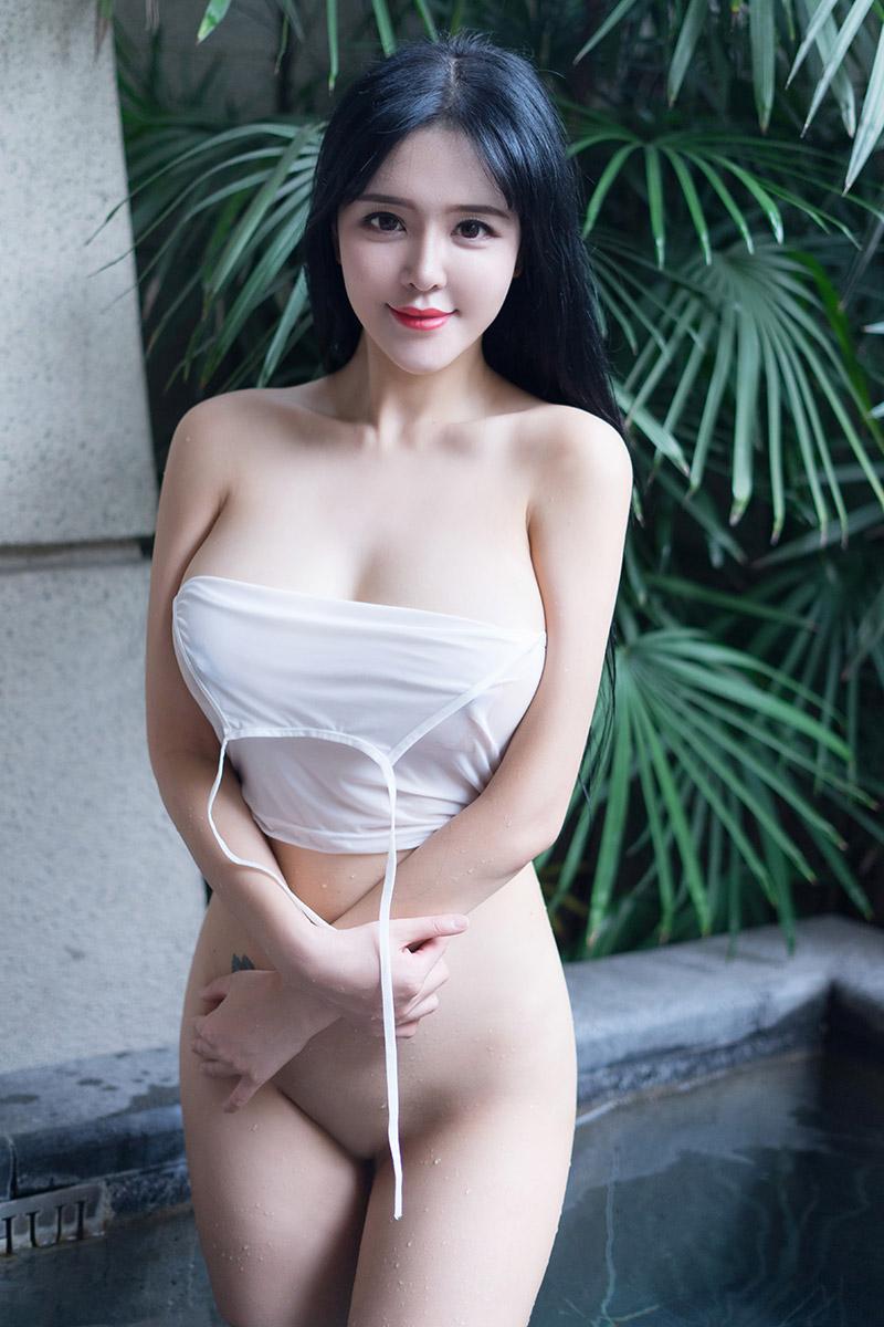 刘钰儿前凸后翘的完美身材让人深深迷恋